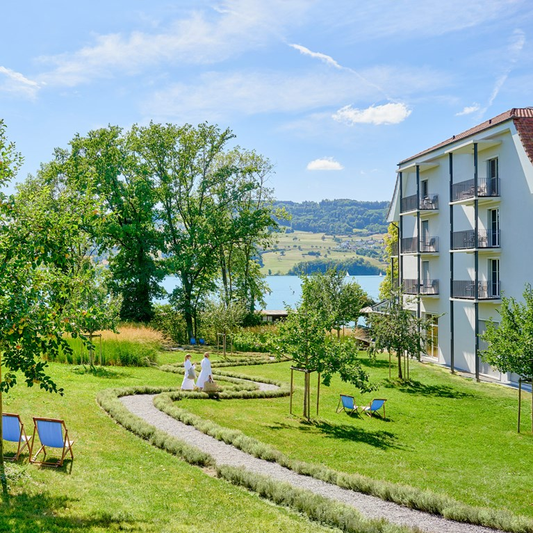 Seerose-Resort-and-Spa-Meisterschwanden_hotel_6.jpg