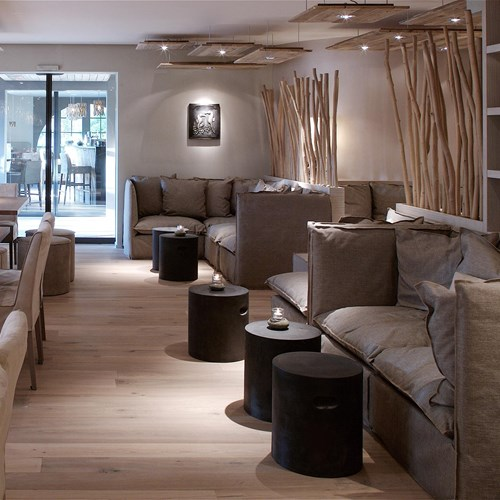 seerose-resort-and-spa-meisterschwanden_lounge-bar_46.jpg