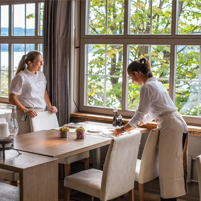 Seerose-Resort-and-Spa-Meisetrschwanden_Restaurant-Seerose_23.jpg